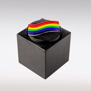Zwarte Cubos urn regenboog van glas
