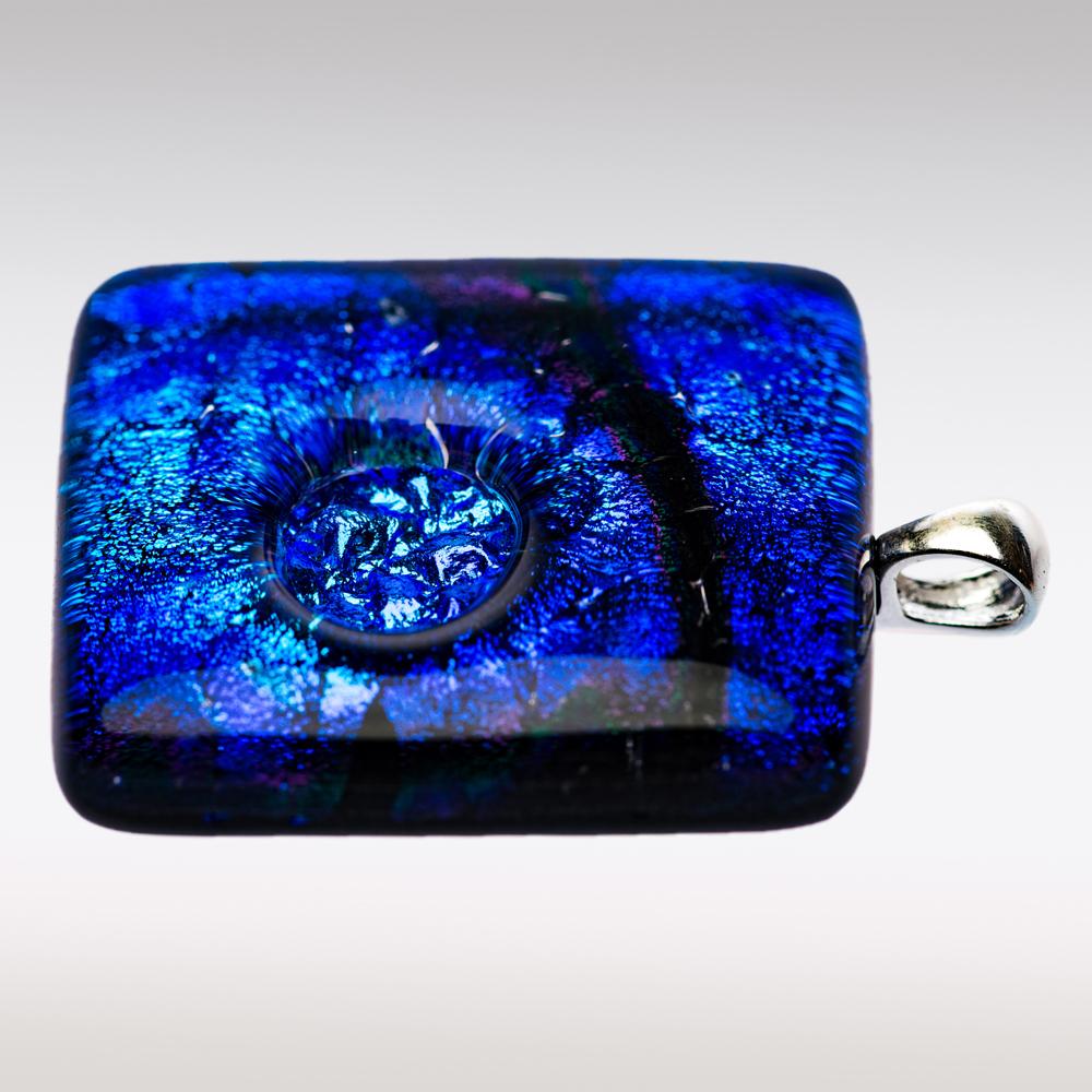 Ashanger van blauw-aqua glas